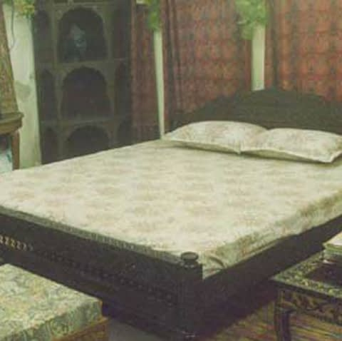 Short Height Carved Headboard For Double Bed